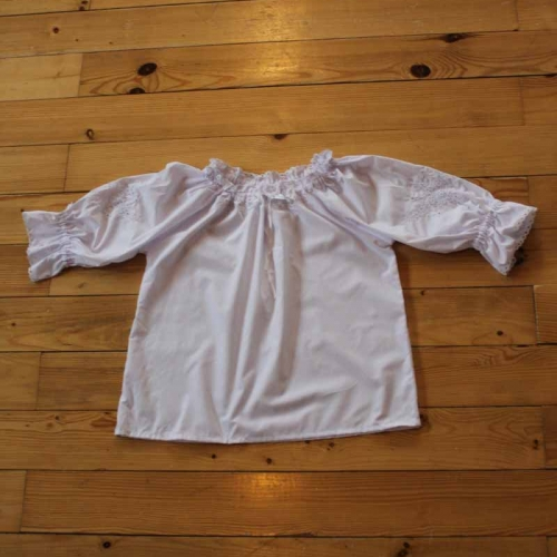 Bluzeczka haftowana – wzór B4