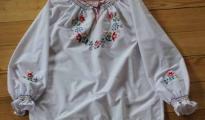 Bluzka haftowana - wzór D6