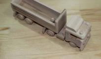 Ciężarówka drewniana do pomalowania