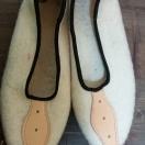 Pantofle z sukna r.36-39 – białe
