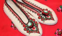 Pantofle z sukna r.36-39 - białe